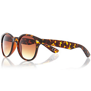 Brown tortoise shell round preppy sunglasses