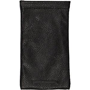 Black pebbled sunglasses case
