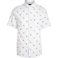 White triangle print short sleeve shirt