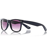 Navy retro sunglasses