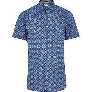 Blue tile print short sleeve shirt
