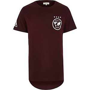 Red world champs curved hem t-shirt