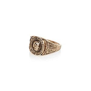 Gold tone skull signet ring