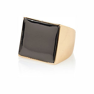 Gold tone square signet ring