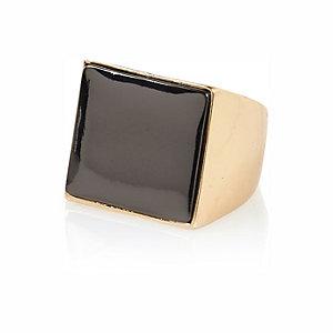 Gold tone square signet ring