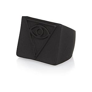 Black triangle eye ring