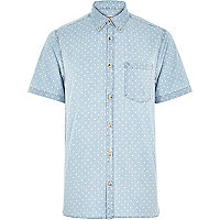 Blue denim triangle print short sleeve shirt