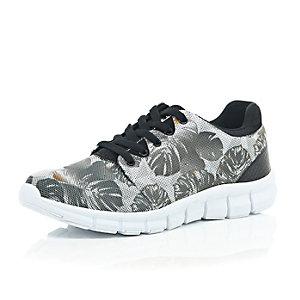 Black camo leaf print trainers