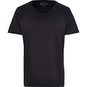 Black premium low scoop neck t-shirt