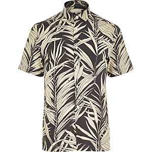 Black leaf print short sleeve shirt