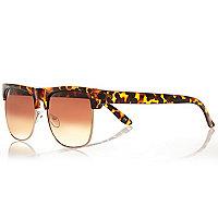 Brown tortoise shell retro sunglasses