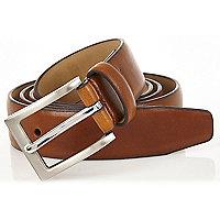 Light brown square buckle belt