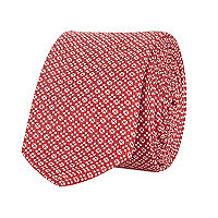 Red geometric print tie