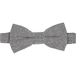 Black dogtooth bow tie