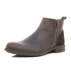 Brown leather zip Chelsea boots