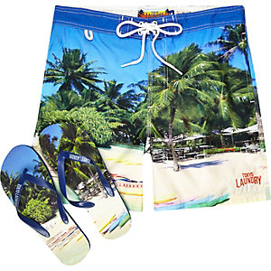 Green Tokyo Laundry shorts and flip flops set
