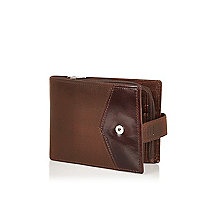 Light brown leather chevron wallet