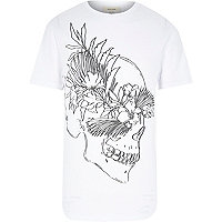 White skull sketch print t-shirt