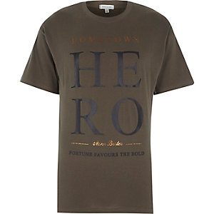 Green hometown hero print t-shirt