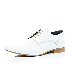 White leather formal lace up shoes