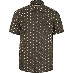 Black HYMN deckchair print short sleeve shirt