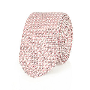 Red diagonal jacquard tie