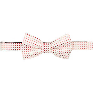Ecru and red square bow tie