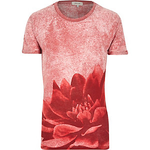 Red burnout flower print t-shirt