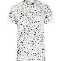 White plaint splatter short sleeve t-shirt