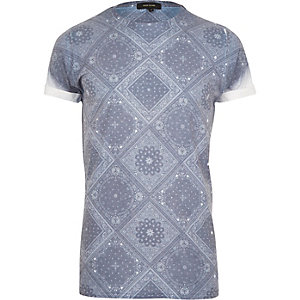 Dark blue bandana print t-shirt