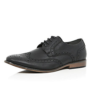 Black tumbled brogues