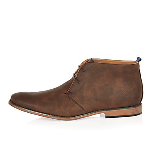Brown burnished lace up chukka boots
