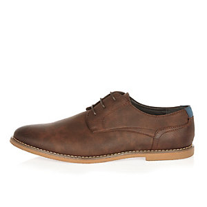 Brown simple lace up shoes