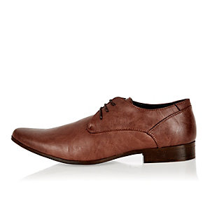 Brown pointed toe formal shoes
