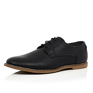 Black simple gum sole lace up shoes