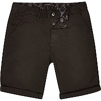 Washed black slim chino shorts