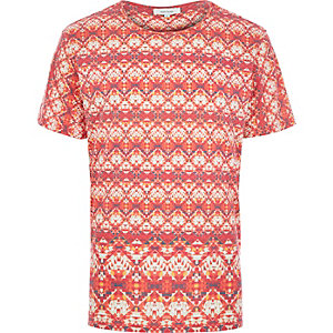 Red bright tribal print t-shirt