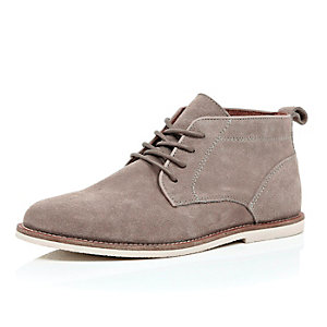 Light brown suede chukka boots