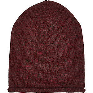 Dark red roll beanie hat