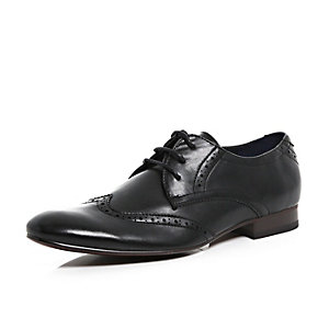 Black polished brogue pointed formal shoes