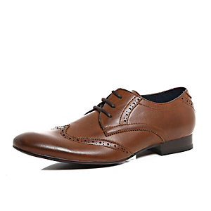 Brown polished brogue pointed formal shoes