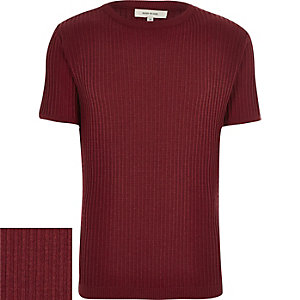 Red ribbed short sleeve sweater
