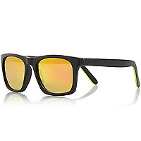 Yellow chunky tinted lens sunglasses