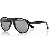 Black chunky frame sunglasses