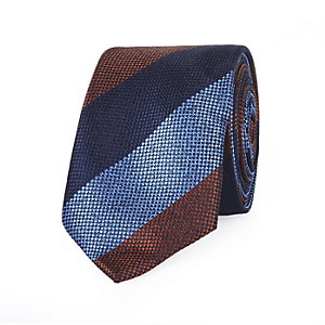 Blue wide stripe tie