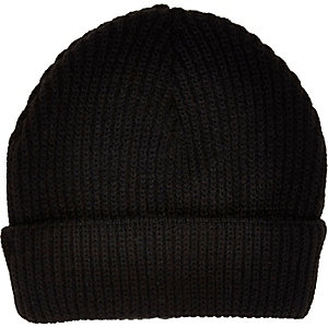 Black shallow fit beanie