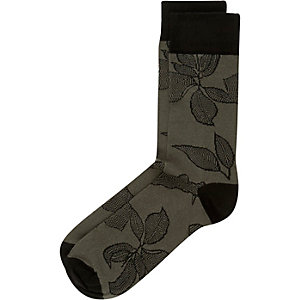 Dark green leaf print socks