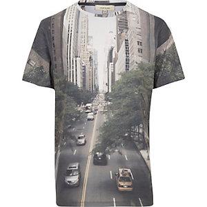 Brown Manhattan streets print t-shirt