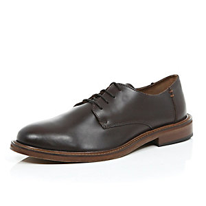 Brown leather thick sole polished shoes