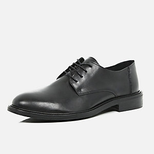 Black polished formal shoes
